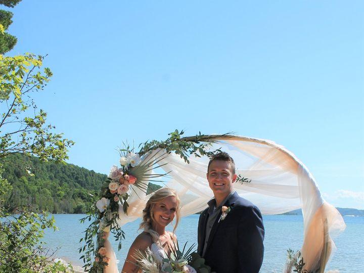 Tmx Beach2 51 1057821 159683547017796 Grand Rapids, MI wedding florist