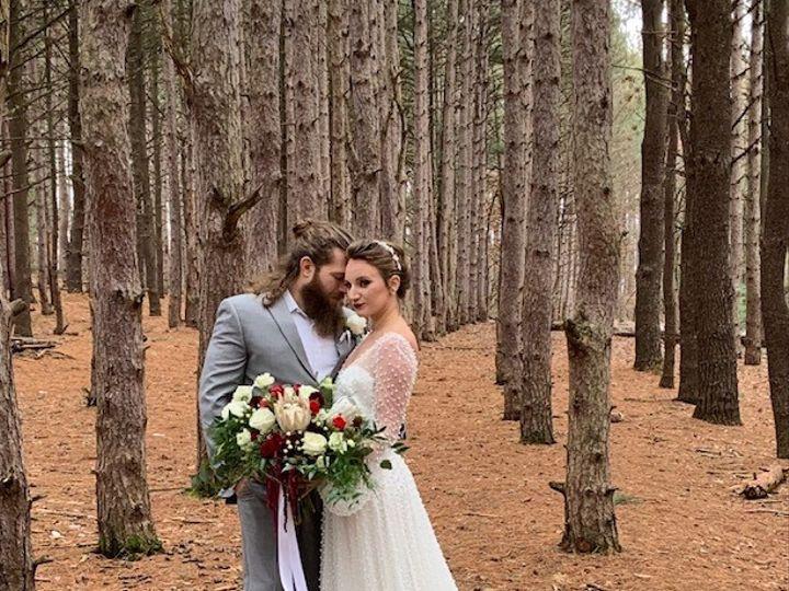 Tmx Img 2432 51 1057821 157686392264412 Grand Rapids, MI wedding florist