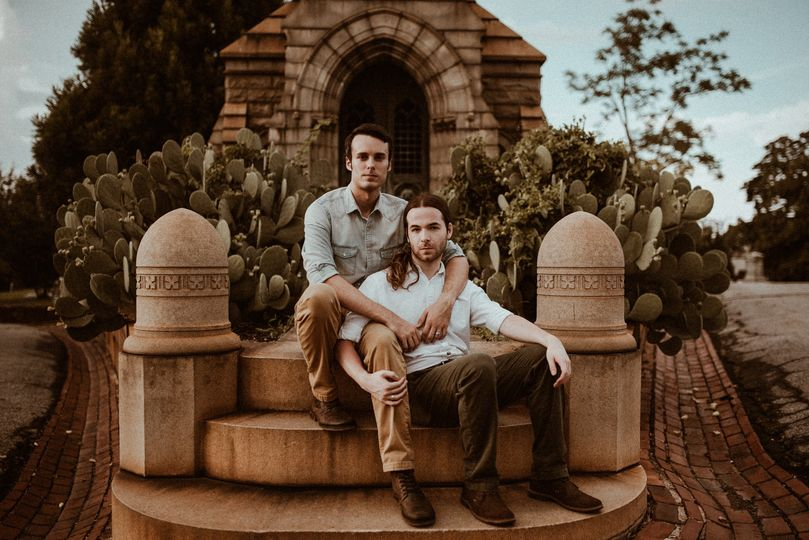 brandonjacob engagement session oakland ceremetery 123 51 960921