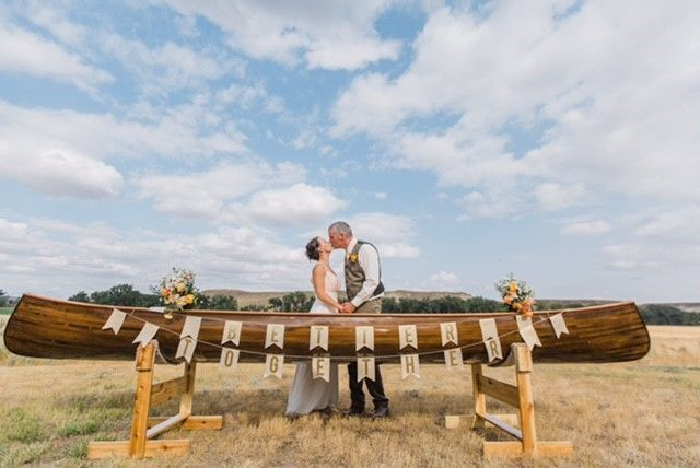 Tmx 1516210713 9768c6114d54e2d4 1516210713 784150abe400941f 1516210712842 9 Erin Canoe Great Falls, MT wedding planner