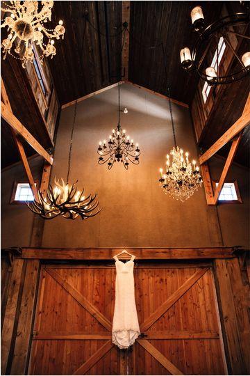 grant station barn wedding reception photos kimberly hoyle photography 0654 51 1002921 1558529985