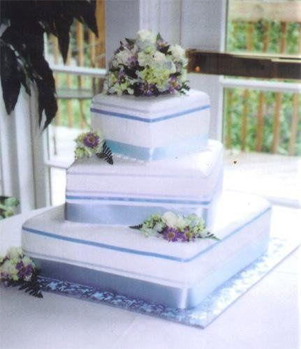 Tmx 1236015225402 Cake22 Ephrata wedding cake