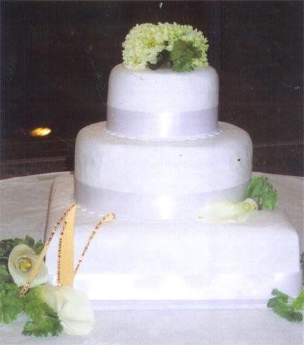 Tmx 1236015287721 Cake33 Ephrata wedding cake
