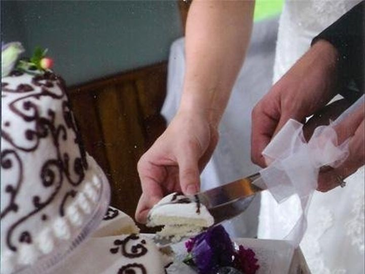 Tmx 1236610220182 Cake37 Ephrata wedding cake