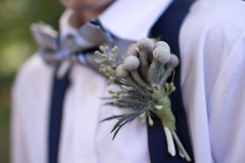 Distinctive boutonniere