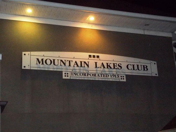 Mountain Lakes Club entrance