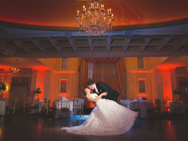 Tmx 1520386340 668874d033c1f521 1520386304 Ca2f37617f777e24 1520386289685 54 M052717PKfav 0062 Lindenhurst wedding photography