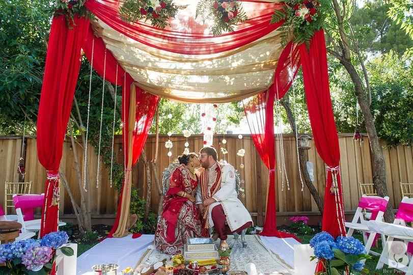 72d7f9334fe765ef 1441941592353 20150509 meg and thomas wedding 1228 d3s1682 x3