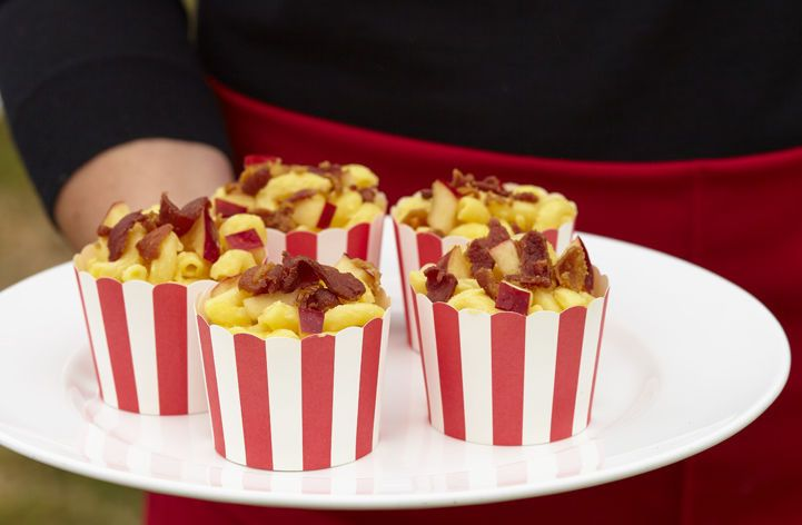 Mini mac-n-cheese with maple glazed bacon and apple