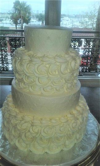 rossette wedding cake1