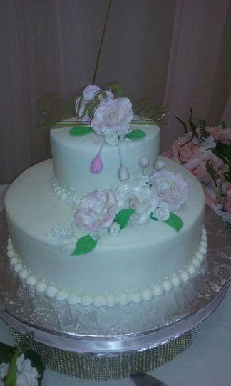 2 Tiered Round Buttercream Wedding Cake w/ Sugar Paste Flowers
