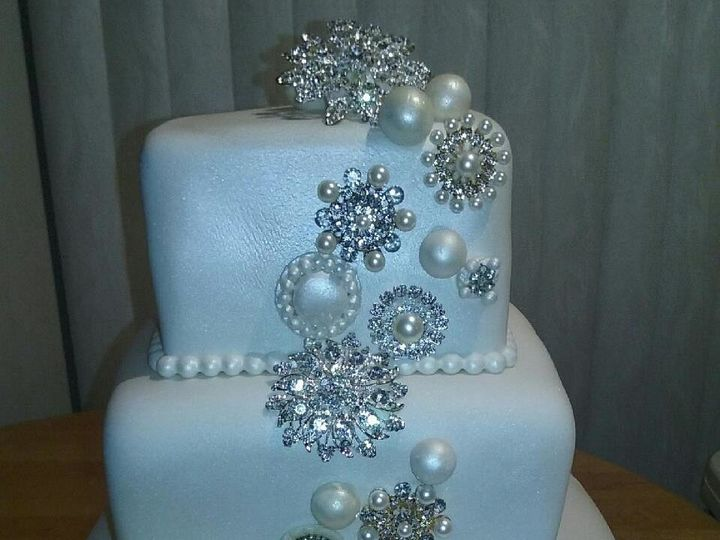 Tmx 1500170041627 Pearls And Diamonds 2 Jacksonville wedding cake
