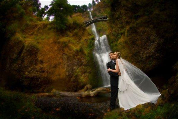 Multnomah Falls Lodge - Venue - Bridal Veil, OR - WeddingWire