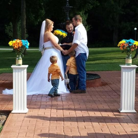 A casual wedding with the children getting right into the mix (and fountain)
