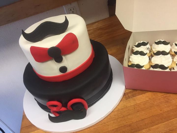 Tmx 1524701897 872370b239f591b1 1524701896 E8ca97fc1843736e 1524701892495 10 Tuxedo Cake Lincoln City wedding cake