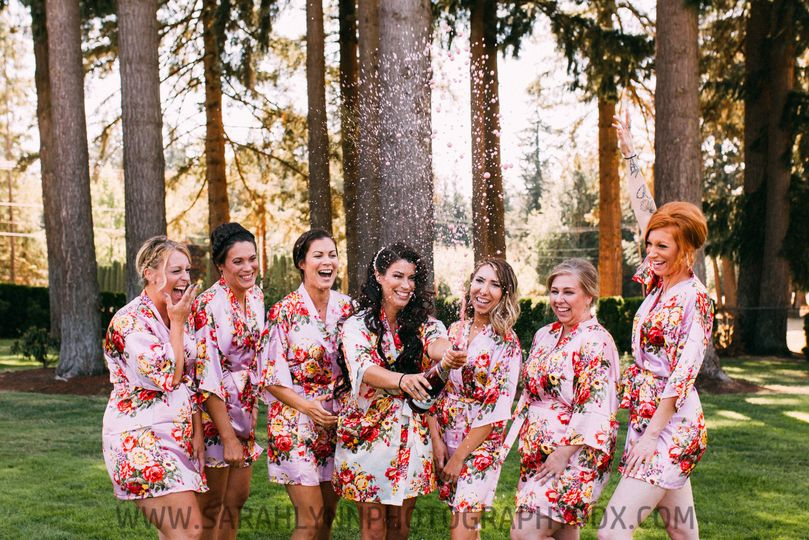 Such a fun champagne shot with Samantha and her bridesmaids!  Sarah Lynn Photography PDX