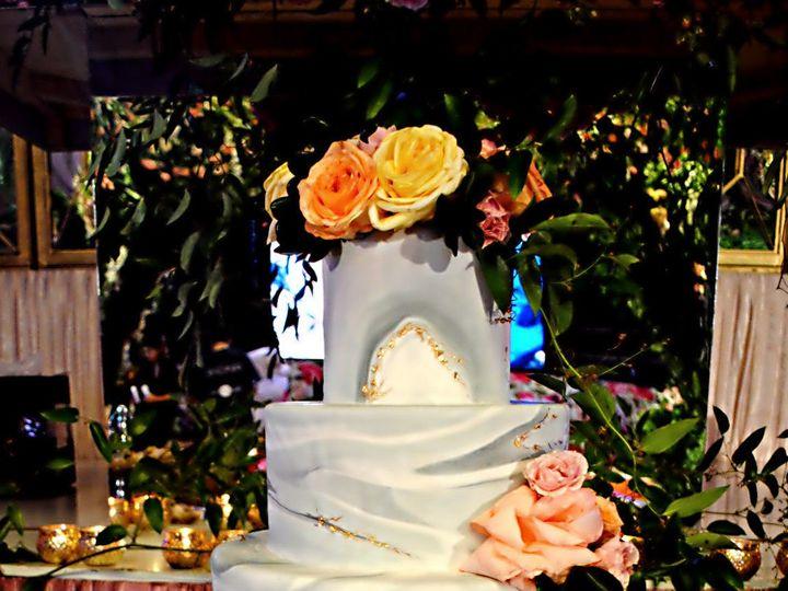 Tmx 1531423196 Fcff9cd7e8c3796c 1531423194 Cbb4dec5b9d5d99e 1531423183369 8  Marbledsilverandg Springtown, TX wedding cake