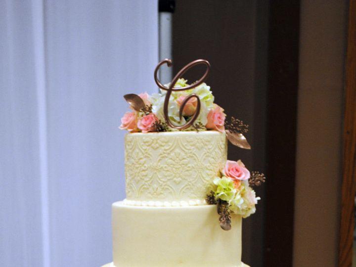 Tmx 1531423395 C3fec22c464bf4a5 1531423394 16e6e1a4128001f9 1531423384855 24  Ivorydamaskweddi Springtown, TX wedding cake