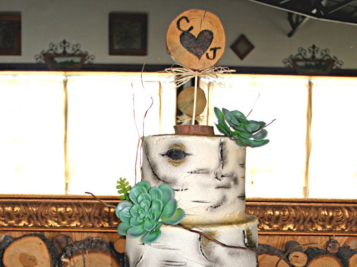 Tmx 1531423396 5deb6d2da5f22ba2 1531423393 4c5bf3fa42cbf9c4 1531423384804 18  Birchtreecake  S Springtown, TX wedding cake