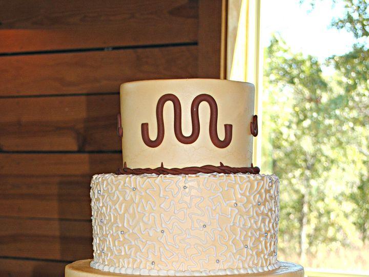Tmx 1531423408 Fa25d2997110b897 1531423406 Ab5d40208a393e99 1531423384969 38  Tooledleatherwed Springtown, TX wedding cake