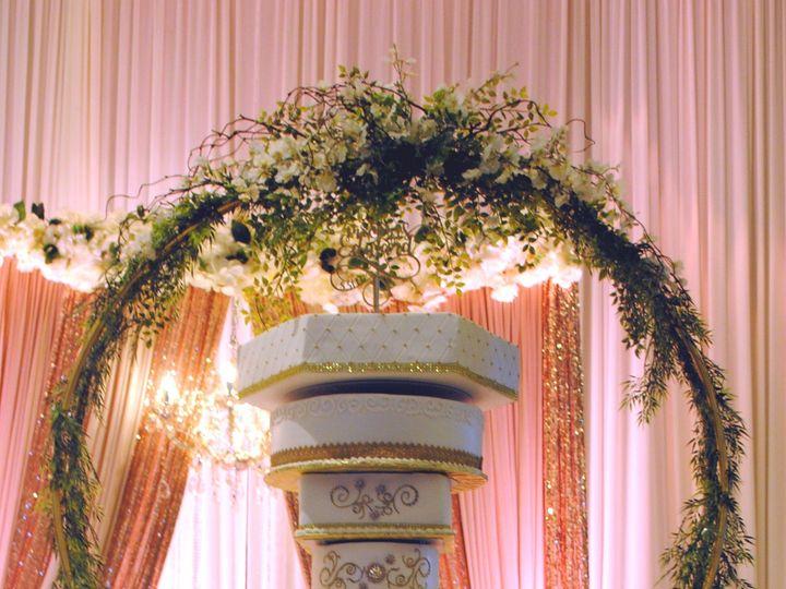 Tmx Chandlierweddingcake 51 368031 157444426563186 Springtown, TX wedding cake