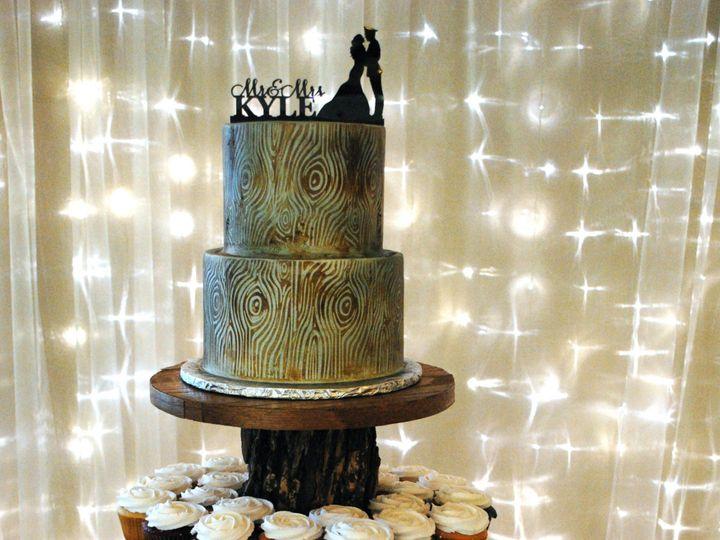 Tmx Woodlookcupcakewedding 51 368031 157444432394386 Springtown, TX wedding cake