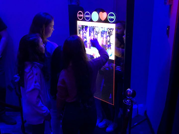 Dropincity: Mirror X Booth