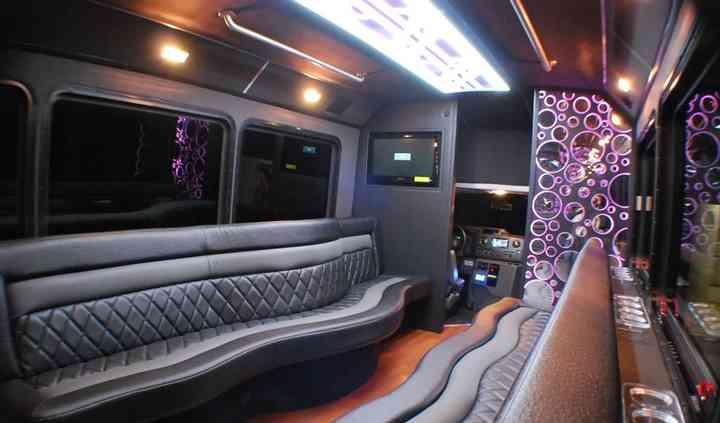 Aurora Limousine