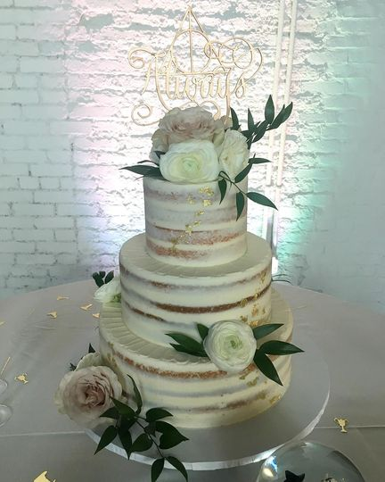 Naked style cake with gold