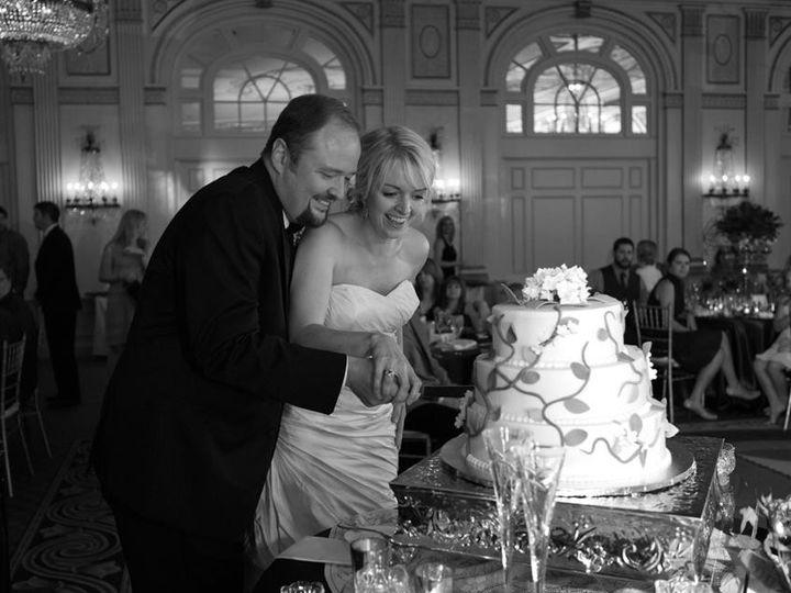 Tmx 1373052469552 Wedding Cake   Clayton Cutting Louisville, KY wedding cake