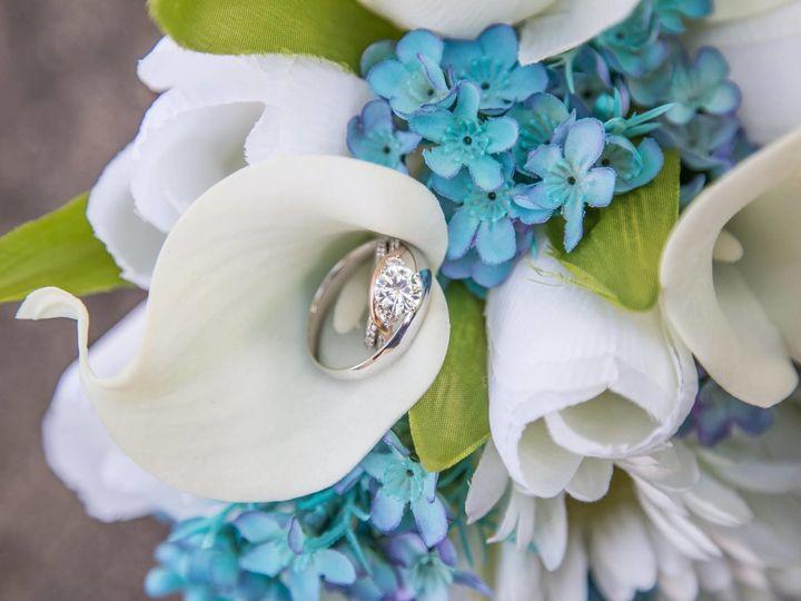 Tmx 1536763152 9d050d5e7e73c722 1536763150 Ca13fbc9241091c0 1536763149776 12 30227188 20798217 Cedar Rapids wedding videography