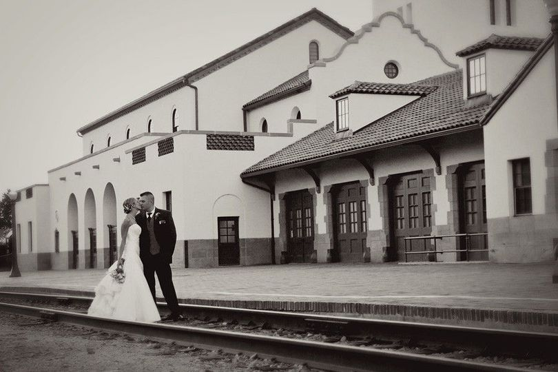 3d35b6fef818df5b 1477267049593 001 wedding photos boise train depot