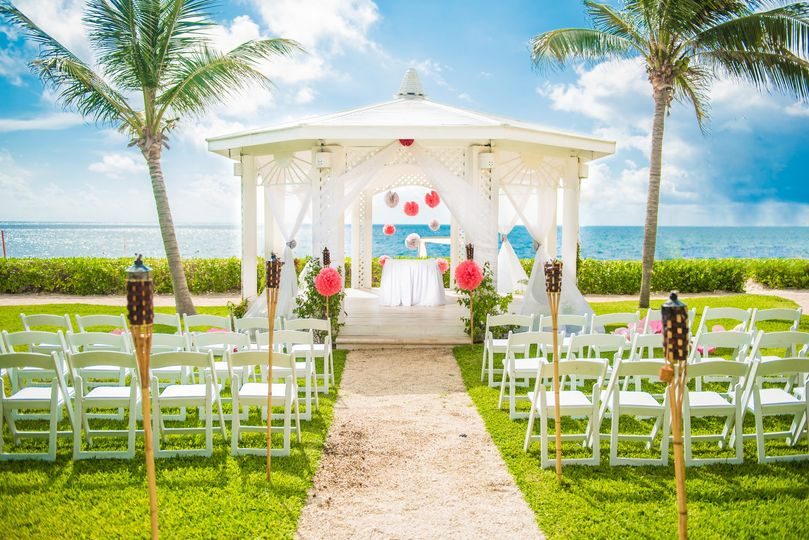 Gorgeous outdoor beach wedding