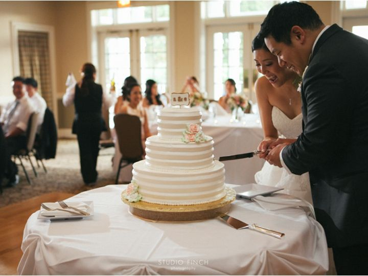 Tmx Cake Cutting 51 149231 Lake Zurich wedding venue