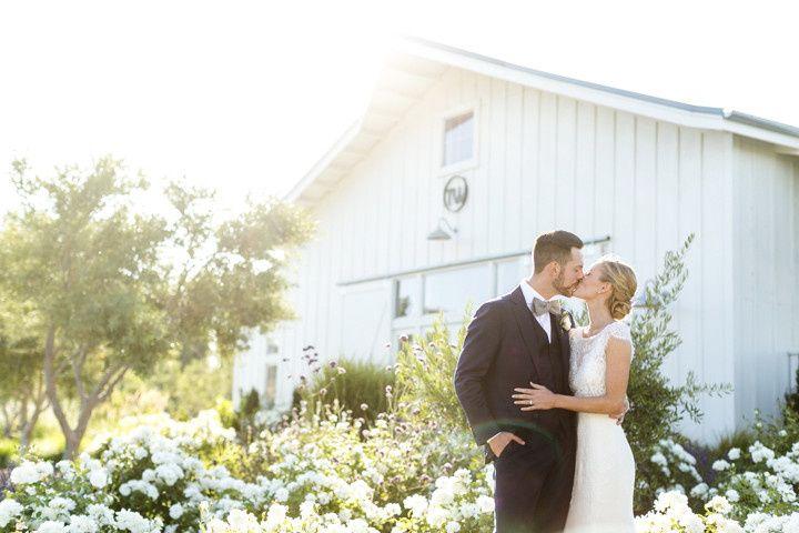 Couple kissing - Sabine Scherer Photography