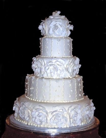 White alternating textured cake