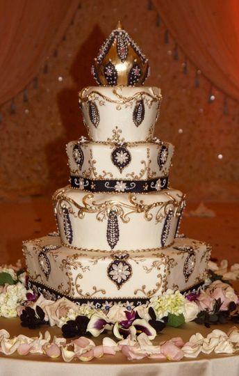 Unique gold cake