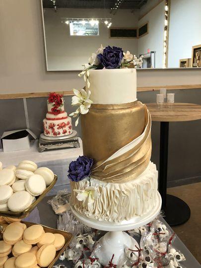 Le Gateau Wedding Cake Westerville Oh Weddingwire