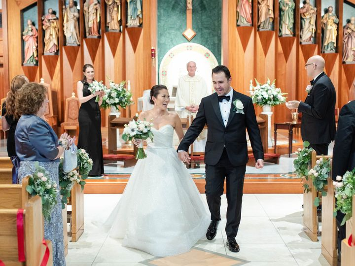 Tmx Molly And Larry 12 51 933331 160433642157187 West Hartford, Connecticut wedding florist
