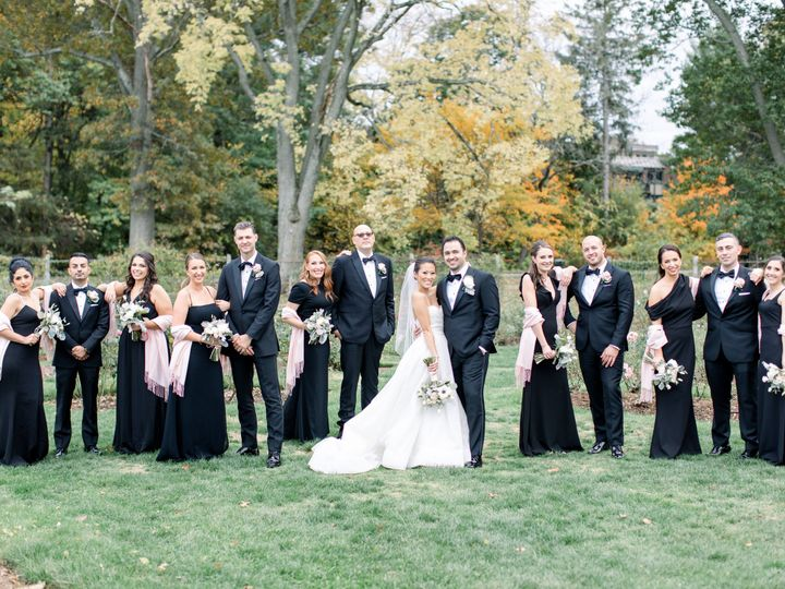 Tmx Molly And Larry 15 51 933331 160433641952291 West Hartford, Connecticut wedding florist