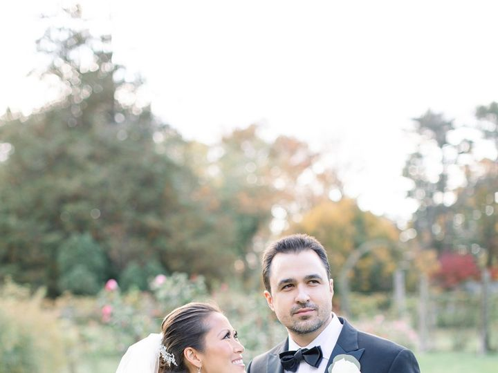 Tmx Molly And Larry 47 51 933331 160433646635805 West Hartford, Connecticut wedding florist