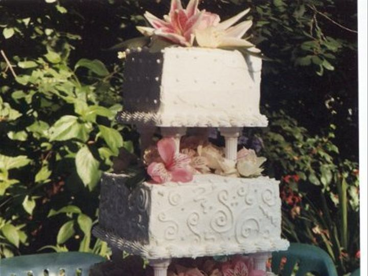 Tmx 1248227354702 Cake0001 Sequim wedding cake