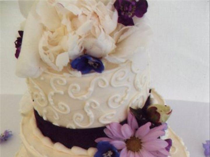 Tmx 1311272278299 WeddingcakesSequim20110001 Sequim wedding cake
