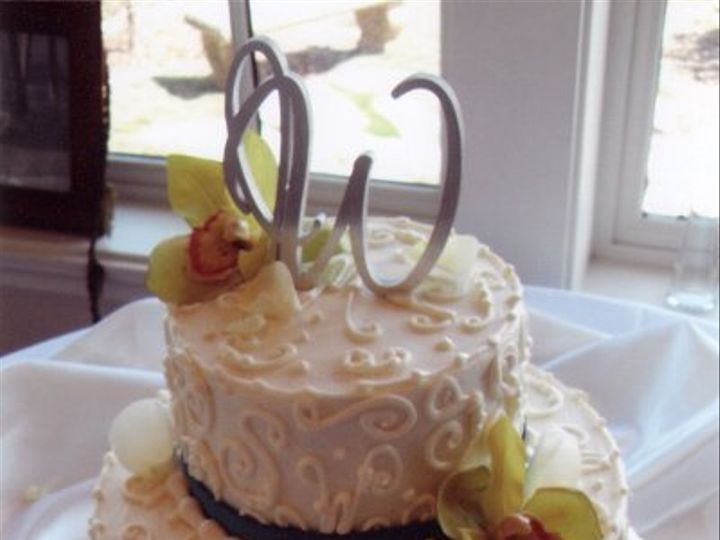 Tmx 1311272353330 WeddingcakesSequim20110003 Sequim wedding cake