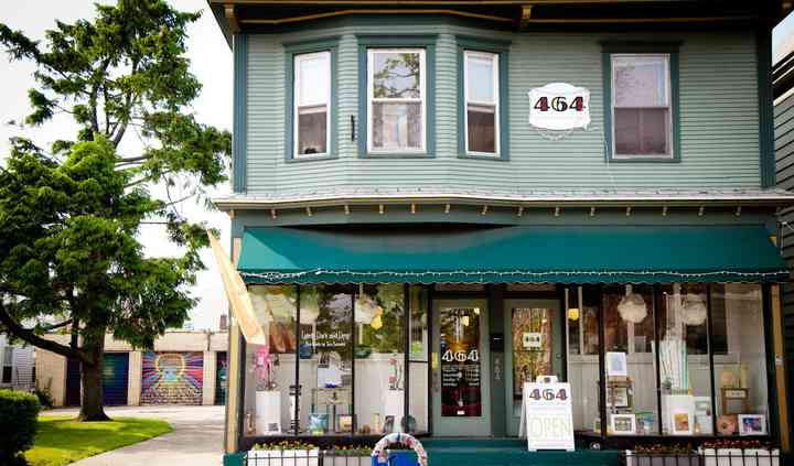 464 Art Gallery & Gifts