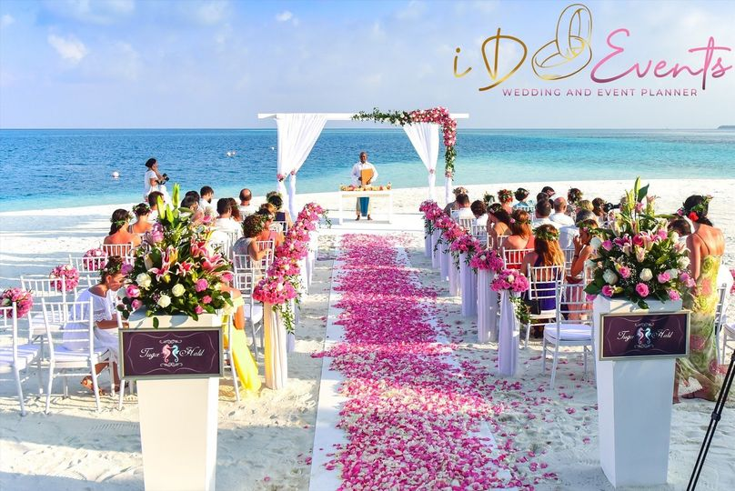 Beach ceremony set-up