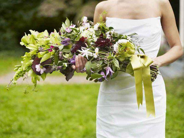 Dahlias, Cymbidium Orchids, Fiddlehead ferns, Cosmos, Nerines, Molucella, Passion vine, Jasmine,...