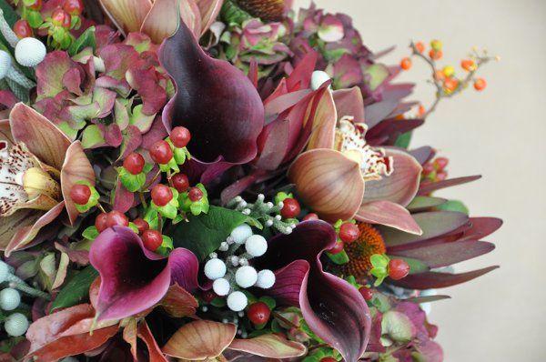 Hydrangea, Calla Lillies, Hypericum berries, Bittersweet vive, Cymbidium 'Choco Bear', Sulver Brunia