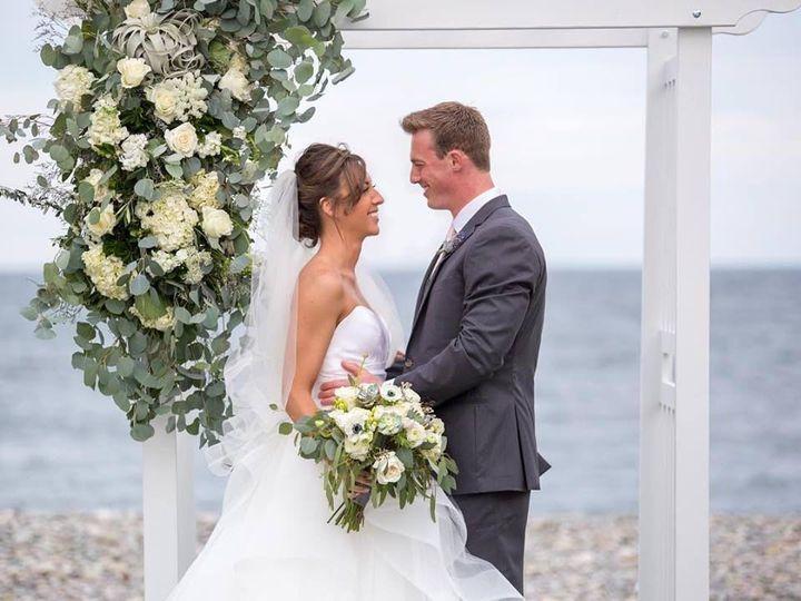 Tmx 1538423404 A15c180fee20c75e 1538423403 95f77ea258c8a7df 1538423402526 12 Image Boston wedding florist