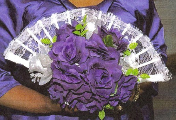 This unique fan bouquet will be a hit with all of your bridesmaids.  Later can be used as a...